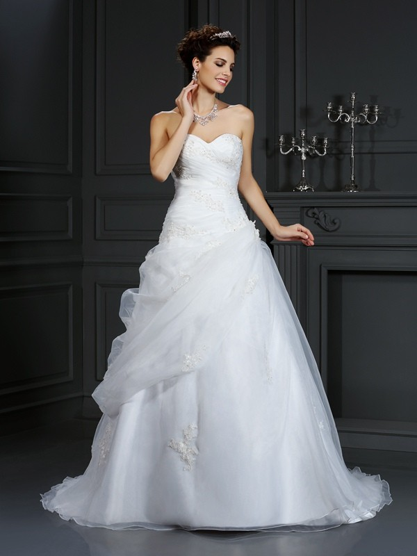 Cheerful Spirit Ball Gown Sweetheart Beading Long Organza Wedding Dresses
