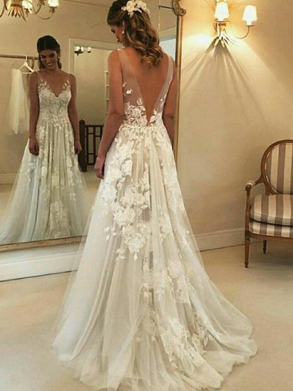 Time to Shine Princess Style V-neck Sleeveless Sweep/Brush Train Applique Tulle Wedding Dresses
