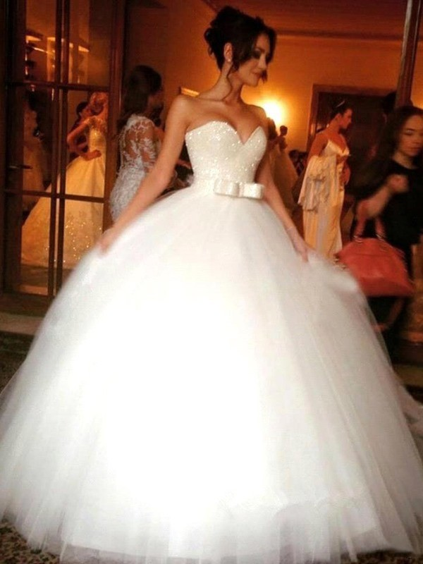 Comfortably Chic Ball Gown Bowknot Sweetheart Tulle Floor-Length Wedding Dresses