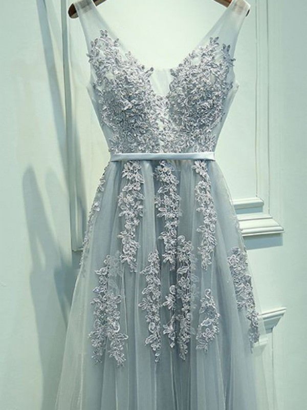 Open to Adoration Princess Style V-neck Tulle Applique Floor-Length Dresses
