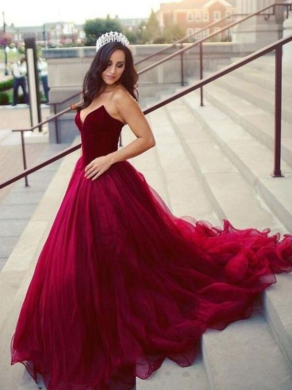 9e32308fb8d0 Dashing Darling Ball Gown Sweetheart Court Train Tulle Dresses ...