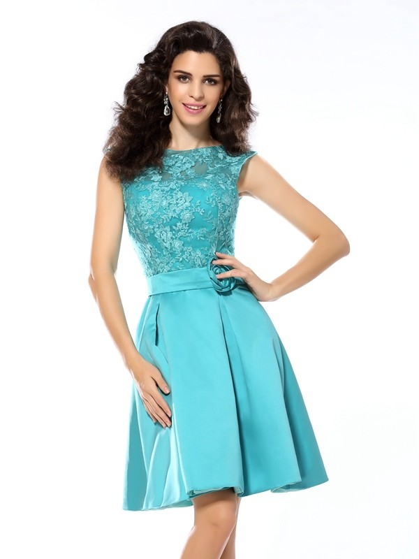 Naturally Chic Princess Style Scoop Applique Short Satin Cocktail Dresses