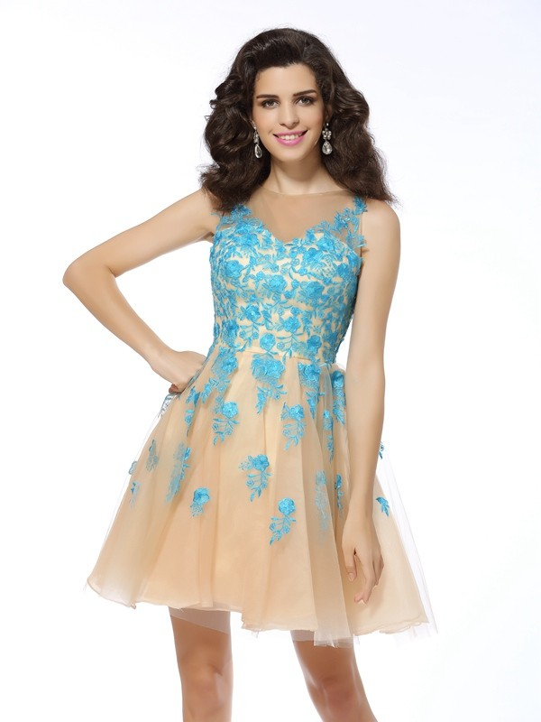 Defined Shine Princess Style Bateau Applique Short Tulle Cocktail Dresses