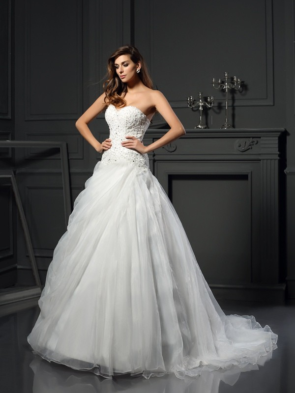 Vibrant Stylist Ball Gown Sweetheart Ruffles Long Organza Wedding Dresses