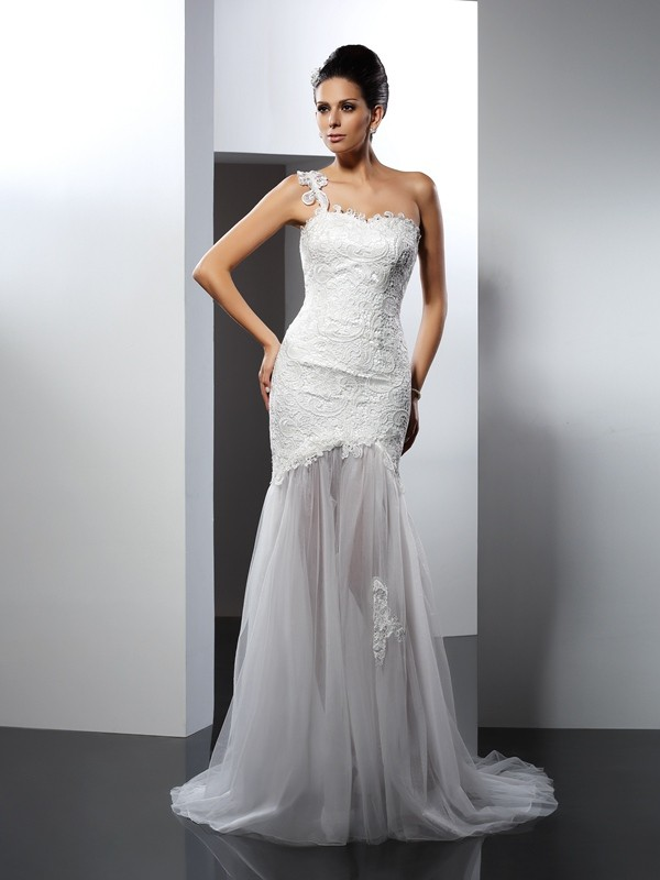 Eye-Catching Charm Mermaid Style One-Shoulder Lace Long Lace Wedding Dresses