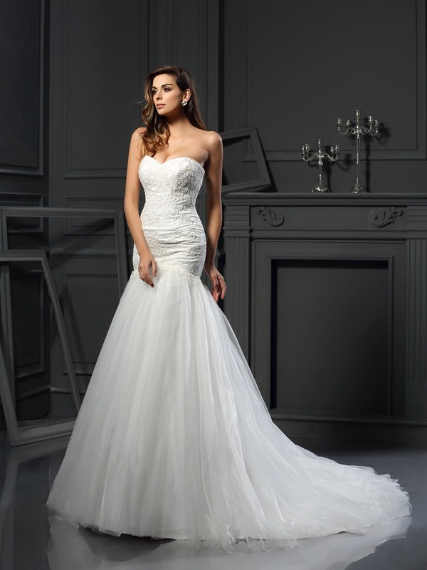 Comfortably Chic Mermaid Style Sweetheart Applique Long Tulle Wedding Dresses