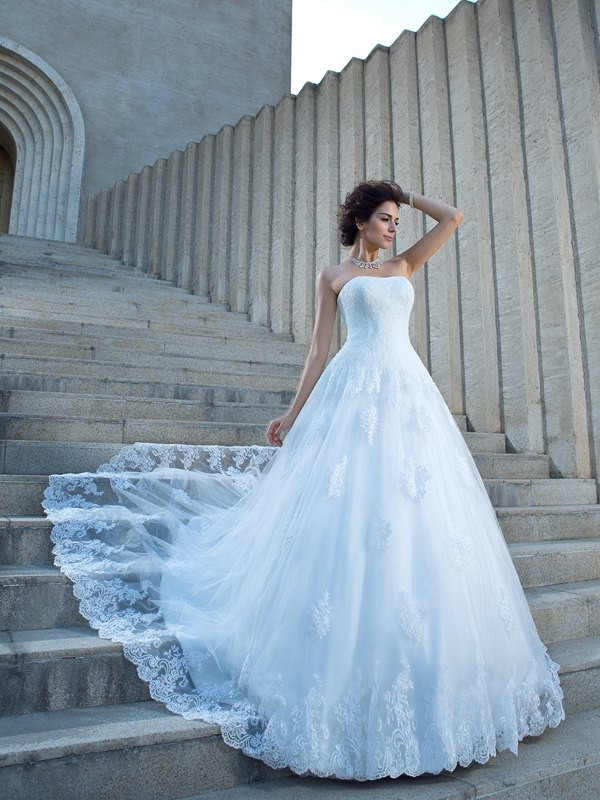 Modern Mood Ball Gown Spaghetti Straps Applique Long Satin Wedding Dresses