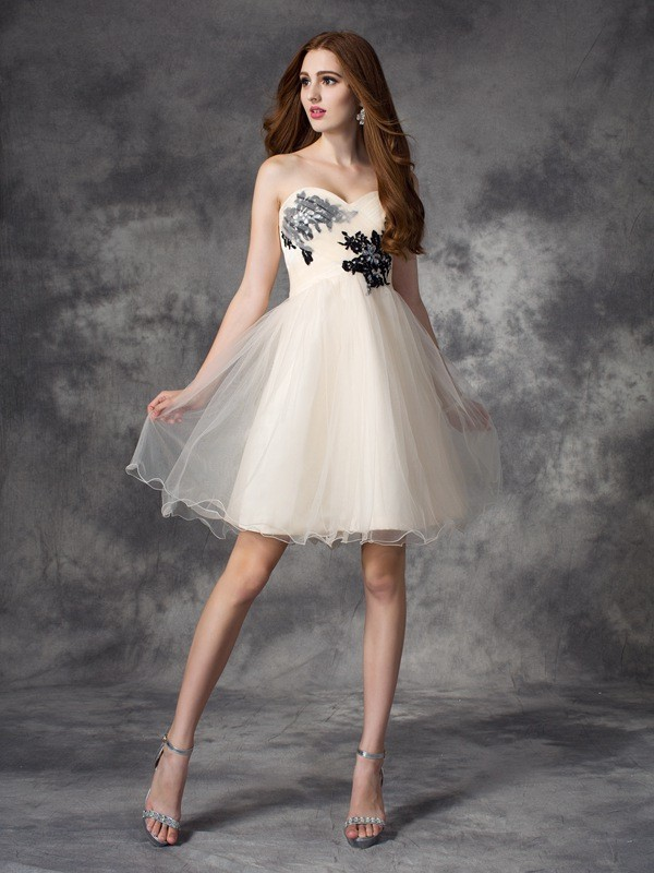 Modern Mood Princess Style Sweetheart Applique Short Net Dresses