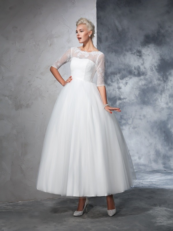 Naturally Chic Ball Gown Bateau Lace Long Net Wedding Dresses