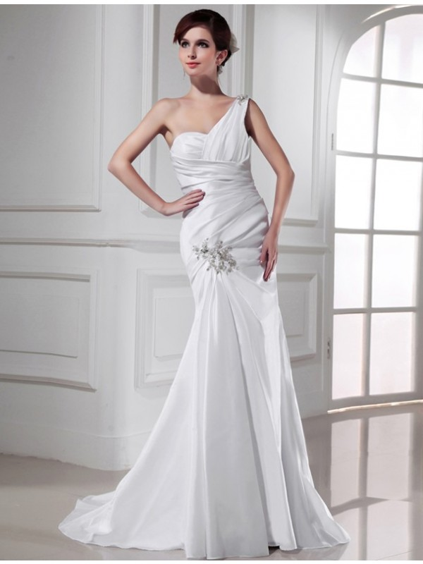 Time to Shine Mermaid Style One-shoulder Beading Satin Long Wedding Dresses