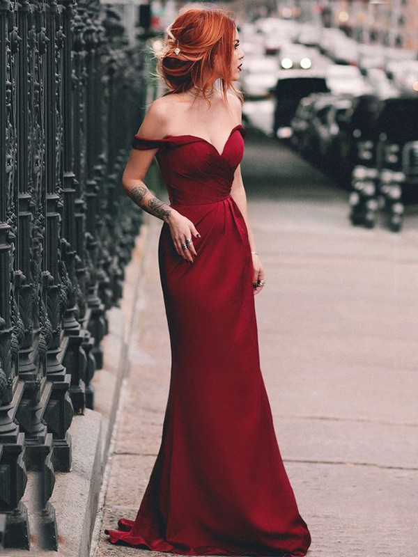 Chic Chic London Sheath/Column Off-the-Shoulder Sleeveless Sweep/Brush Train Ruched Satin Dresses