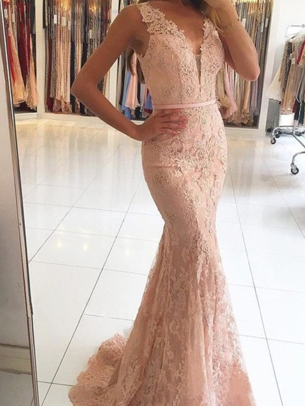 Comfortably Chic Mermaid Style V-neck Sweep/Brush Train With Applique Lace Dresses