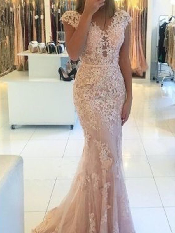 Creative Courage Mermaid Style V-neck Sweep/Brush Train With Applique Lace Dresses