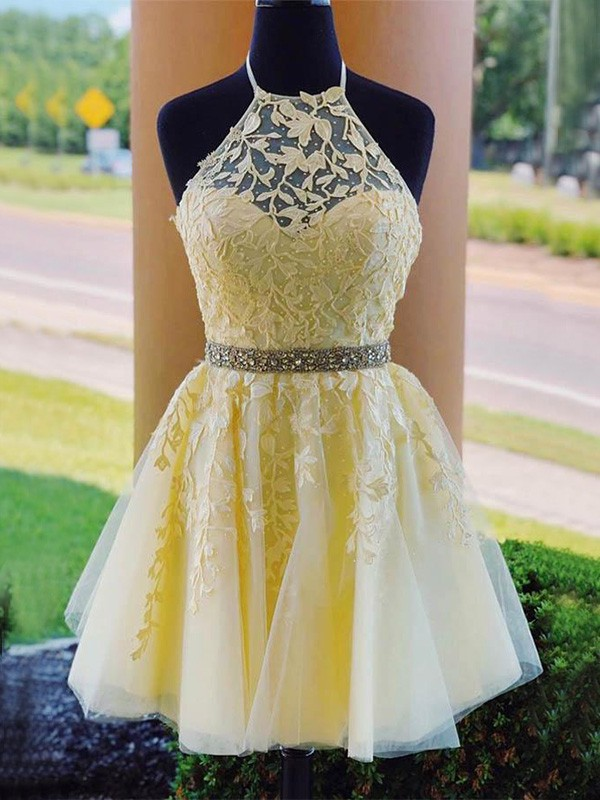 Pretty Looks A-Line Tulle Halter Applique Short Homecoming Dresses