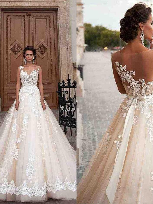 Easily Adored A-Line/Princess Tulle Scoop Applique Sleeveless Court Train Wedding Dresses