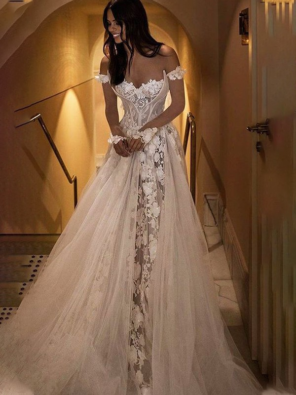 A-Line/Princess Applique Off-the-Shoulder Tulle Sweep/Brush Train Sleeveless Wedding Dresses