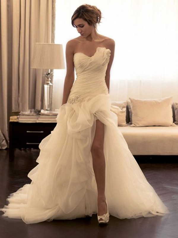 Open to Adoration Ball Gown Organza Beading Sweetheart Sweep/Brush Train Wedding Dresses