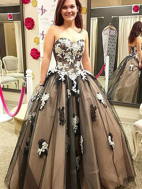 Vibrant Stylist Ball Gown Sweetheart With Applique Floor-Length Tulle Dresses