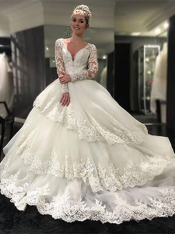Cordially Delighted Ball Gown V-neck Lace Tulle Court Train Wedding Dresses