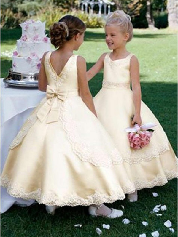 Fabulous Fit Ball Gown Scoop Bowknot Long Satin Flower Girl Dresses
