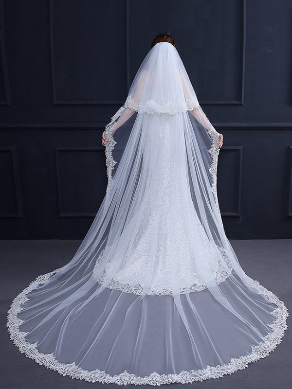 Trending 2 Layer Tulle With Lace Long Wedding Veils