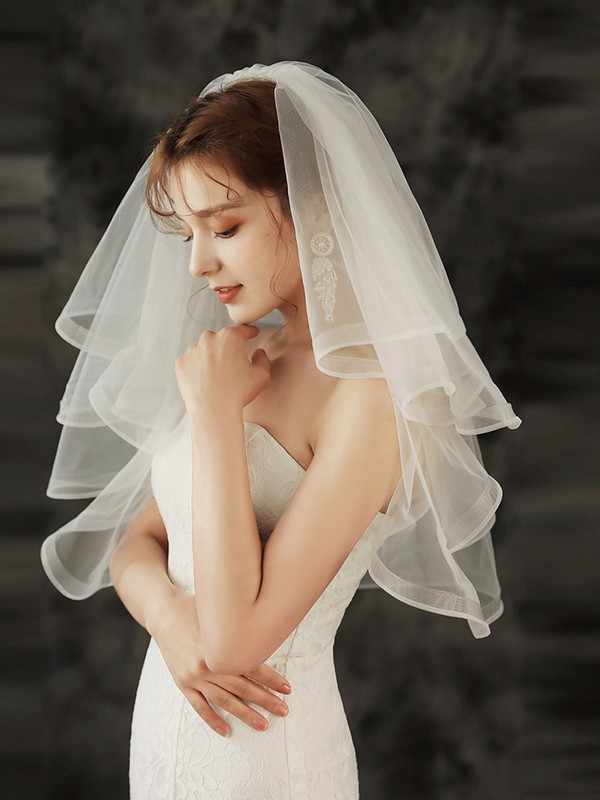 Brilliant Tulle Four-Tier Shoulder Veils