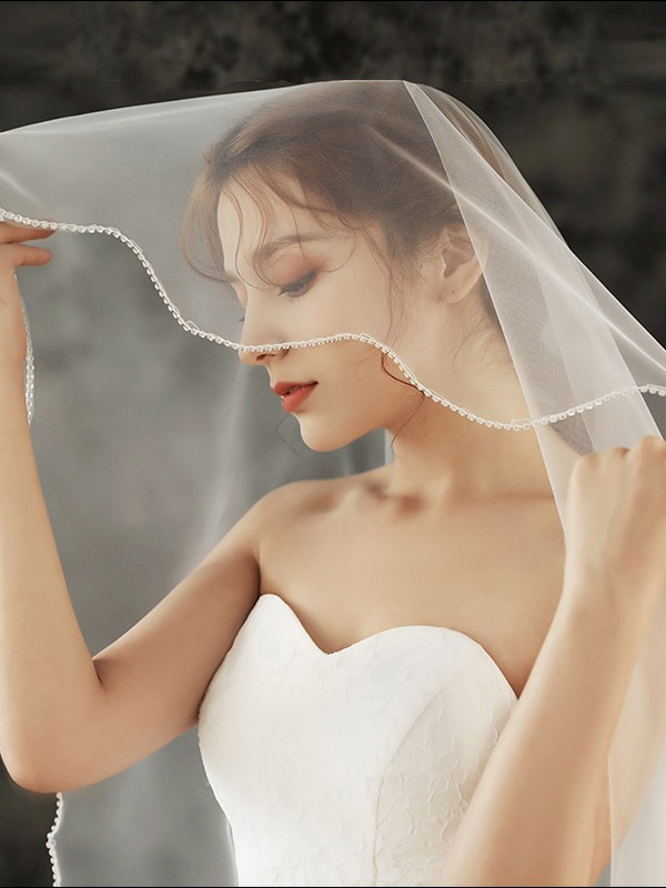Stunning One-Tier Tulle Fingertip Bridal Veils