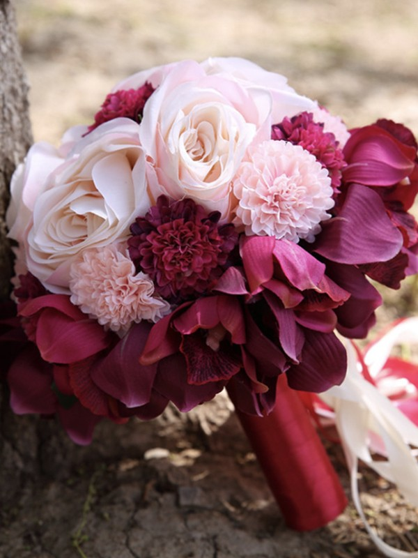 Charming Round Silk Flower Bridal Bouquets