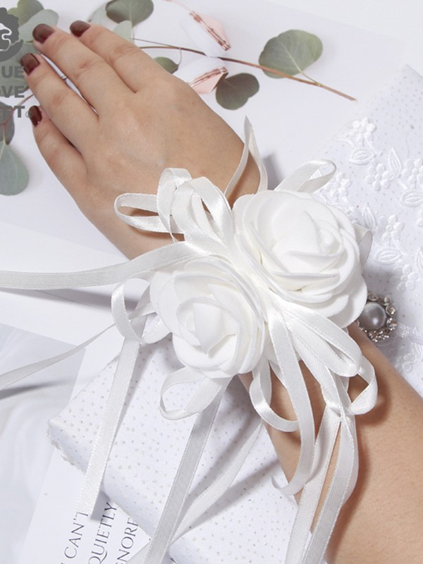 Pure Cloth Wrist Corsage